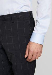Tommy Hilfiger Tailored - SLIM FIT CHECK SUIT - Garnitur - blue - 10