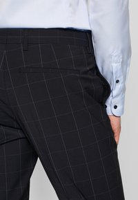 Tommy Hilfiger Tailored - SLIM FIT CHECK SUIT - Garnitur - blue - 13