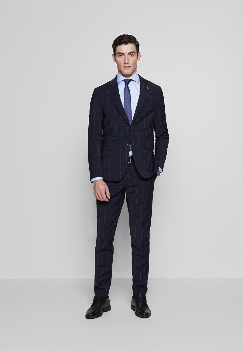 Tommy Hilfiger Tailored - SLIM FIT CHECK SUIT - Garnitur - blue