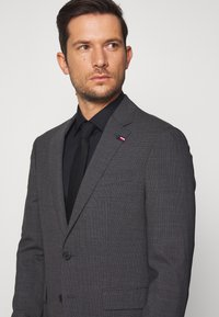 Tommy Hilfiger Tailored - SLIM FIT SUIT - Oblek - grey - 9