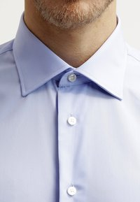 Tommy Hilfiger Tailored - FITTED - Camicia elegante - light blue - 4