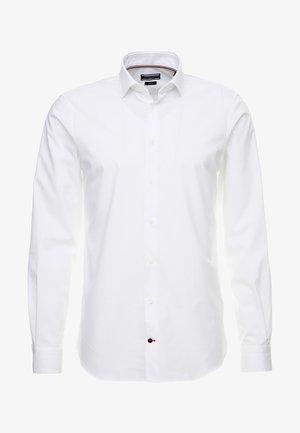 SLIM FIT - Businesshemd - white