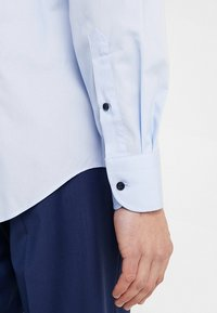 Tommy Hilfiger Tailored - CLASSIC REGULAR FIT - Formální košile - blue - 3