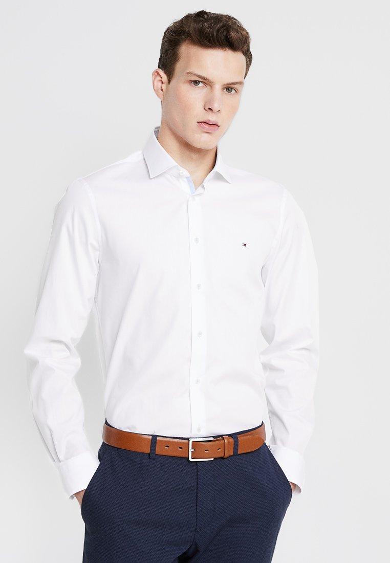 Tommy Hilfiger Tailored - POPLIN CLASSIC SLIM FIT - Camicia elegante - white