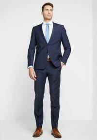 Tommy Hilfiger Tailored - POPLIN CLASSIC SLIM FIT - Camicia elegante - white - 1