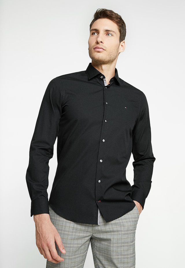 POPLIN CLASSIC SLIM FIT - Formal shirt - black