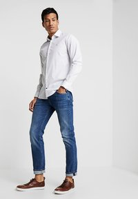 Tommy Hilfiger Tailored - PRINT CLASSIC SLIM - Hemd - white - 1