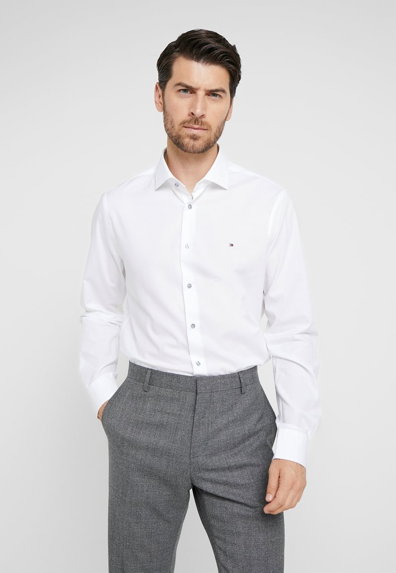 Tommy Hilfiger Tailored - STRETCH CLASSIC SLIM SHIRT - Business skjorter - white