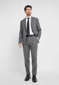 Tommy Hilfiger Tailored - STRETCH CLASSIC SLIM SHIRT - Kostymskjorta - white - 1