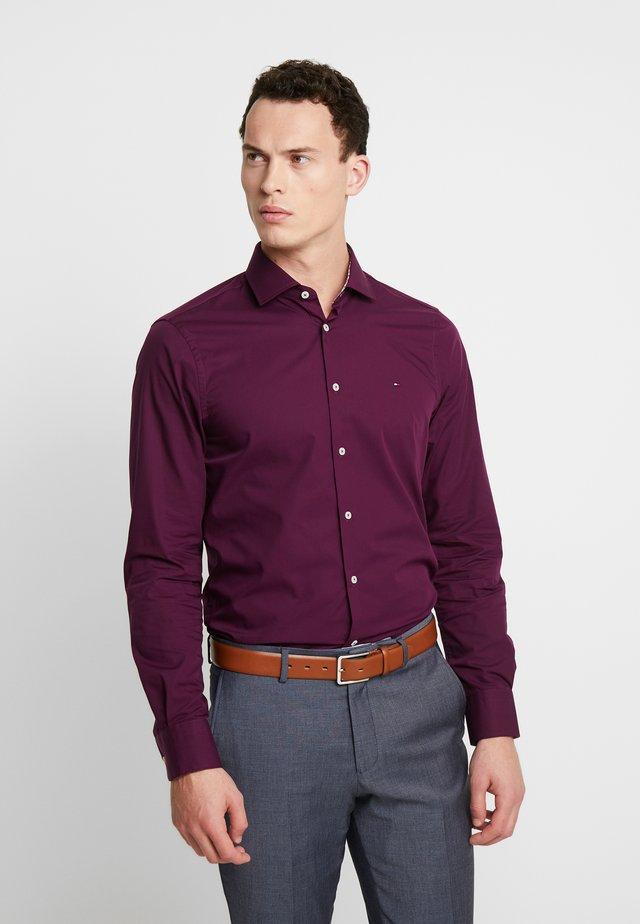 POPLIN CLASSIC SLIM SHIRT - Koszula biznesowa - purple