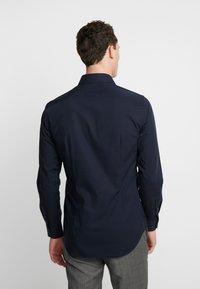Tommy Hilfiger Tailored - POPLIN CLASSIC SLIM SHIRT - Finskjorte - blue - 2