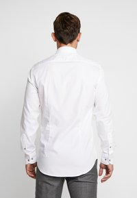 Tommy Hilfiger Tailored - OXFORD CLASSIC SLIM FIT - Kostymskjorta - white - 2