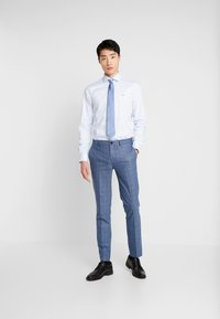 Tommy Hilfiger Tailored - OXFORD CLASSIC SLIM FIT - Koszula biznesowa - blue - 1