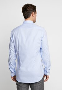 Tommy Hilfiger Tailored - CLASSIC SLIM SHIRT - Camicia elegante - blue - 2