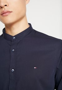 Tommy Hilfiger Tailored - POPLIN BAND COLLAR SLIM  FIT - Shirt - blue - 3
