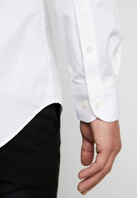 Tommy Hilfiger Tailored - TUX WING COLLAR SLIM FIT - Camicia - white - 3