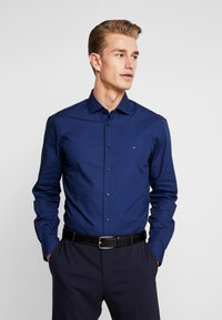 Tommy Hilfiger Tailored - DOT CLASSIC SLIM SHIRT - Kauluspaita - blue - 0