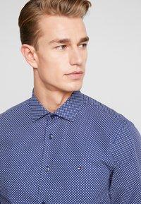 Tommy Hilfiger Tailored - MICRO PRINT CLASSIC SLIM FIT - Košile - blue - 3