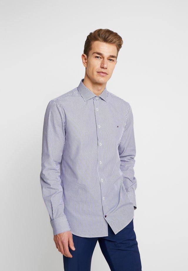 POPLIN STRIPE CLASSIC SLIM SHIRT - Zakelijk overhemd - blue