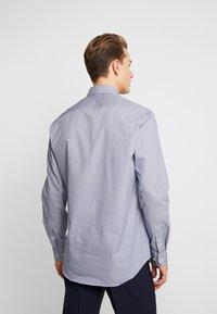 Tommy Hilfiger Tailored - MICRO PRINT CLASSIC SHIRT REGULAR FIT - Camicia elegante - blue - 2