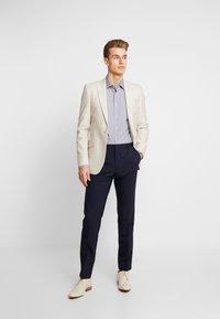 Tommy Hilfiger Tailored - MICRO PRINT CLASSIC SHIRT REGULAR FIT - Camicia elegante - blue - 1