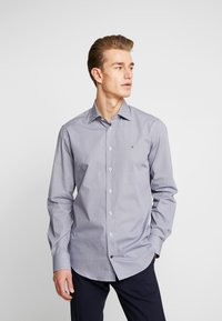 Tommy Hilfiger Tailored - MICRO PRINT CLASSIC SHIRT REGULAR FIT - Camicia elegante - blue - 0