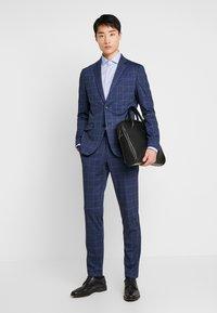 Tommy Hilfiger Tailored - DOBBY CLASSIC SLIM FIT  - Formální košile - blue - 1