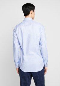 Tommy Hilfiger Tailored - DOBBY CLASSIC SLIM FIT  - Formální košile - blue - 2