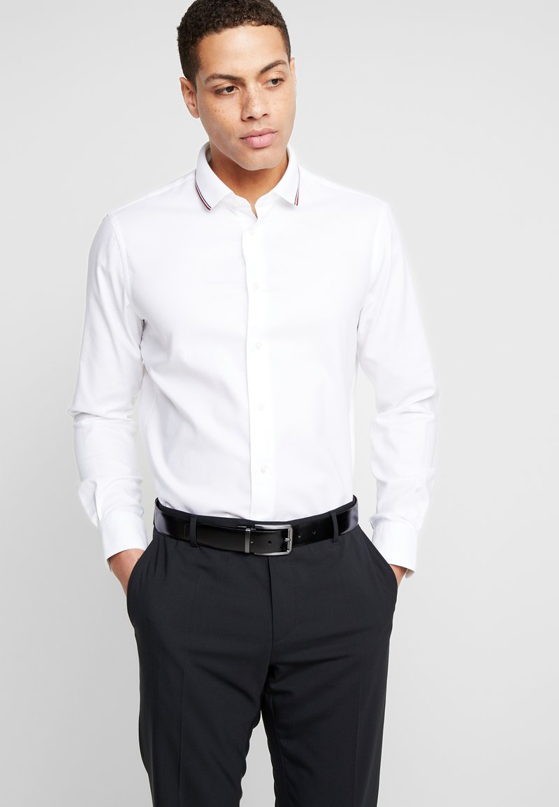 Tommy Hilfiger Tailored - COLLAR CLASSIC SHIRT REGULAR FIT - Camicia elegante - white