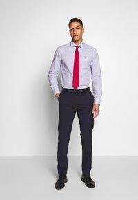 Tommy Hilfiger Tailored - FLORAL CLASSIC SLIM SHIRT - Camicia elegante - blue - 1