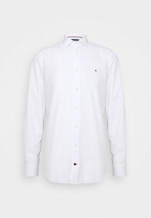 DOBBY DESIGN CLASSIC - Formal shirt - white