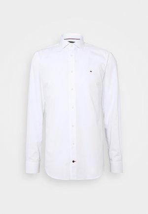 GER POPLIN CLASSIC - Camicia elegante - white