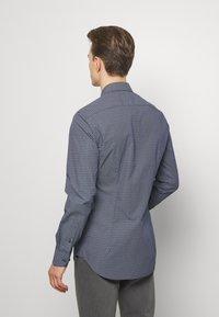 Tommy Hilfiger Tailored - DOT PRINT CLASSIC SLIM - Camicia elegante - blue - 2