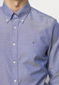 Tommy Hilfiger Tailored - OXFORD BUTTON DOWN SLIM - Camicia elegante - blue - 4