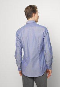 Tommy Hilfiger Tailored - OXFORD BUTTON DOWN SLIM - Camicia elegante - blue - 2
