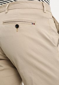Tommy Hilfiger Tailored - STRETCH SLIM FIT PANTS - Chinos - beige - 5