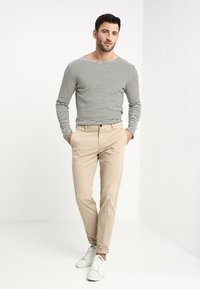 Tommy Hilfiger Tailored - STRETCH SLIM FIT PANTS - Chinos - beige - 1