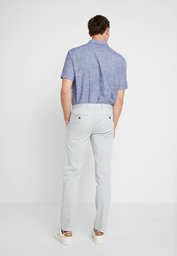 Tommy Hilfiger Tailored - PANTS - Chinosy - grey - 2
