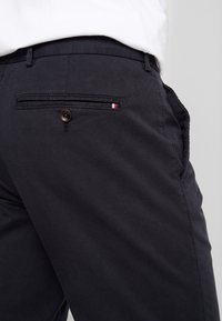 Tommy Hilfiger Tailored - PANTS - Chinos - black - 3