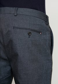 Tommy Hilfiger Tailored - BLEND PANTS - Bukse - dark blue - 4
