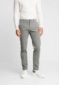 Tommy Hilfiger Tailored - SLIM FIT FLEX PANT - Tygbyxor - grey - 0