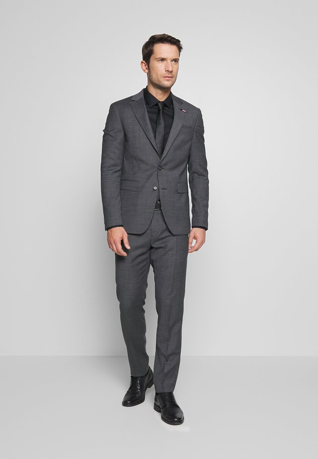 SLIM FIT FAKE SOLID SUIT - Kostym - grey