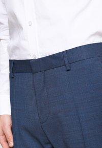 Tommy Hilfiger Tailored - SLIM FIT FAKE SOLID SUIT - Garnitur - blue - 8
