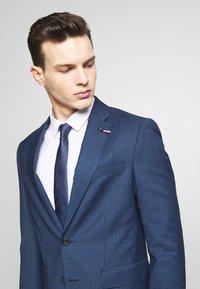 Tommy Hilfiger Tailored - SLIM FIT FAKE SOLID SUIT - Garnitur - blue - 7