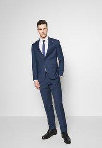 Tommy Hilfiger Tailored - SLIM FIT FAKE SOLID SUIT - Garnitur - blue - 1