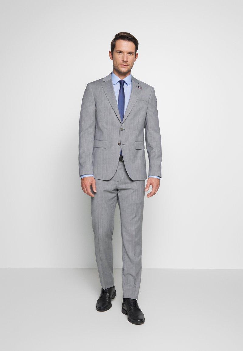 Tommy Hilfiger Tailored - SUIT SLIM FIT - Oblek - grey