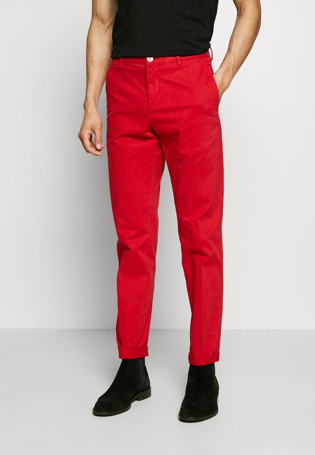 STRETCH SLIM FIT PANTS - Bukser - red