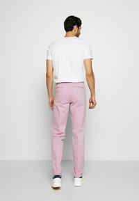 Tommy Hilfiger Tailored - STRETCH SLIM FIT PANTS - Kalhoty - purple - 2