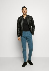 Tommy Hilfiger Tailored - STRETCH SLIM FIT PANTS - Pantalon classique - blue - 1