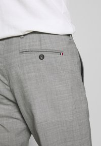 Tommy Hilfiger Tailored - SLIM FIT SOLID BLEND PANT - Kangashousut - grey - 3